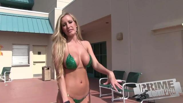 Bikini Shuffleboard with Jessica Barton